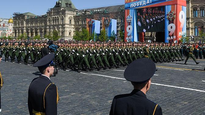 Шойгу пригласил сербских гвардейцев на парад Победы в Москве