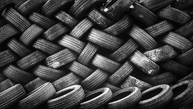 Названы главные опасности застрявших в протекторе шин камней