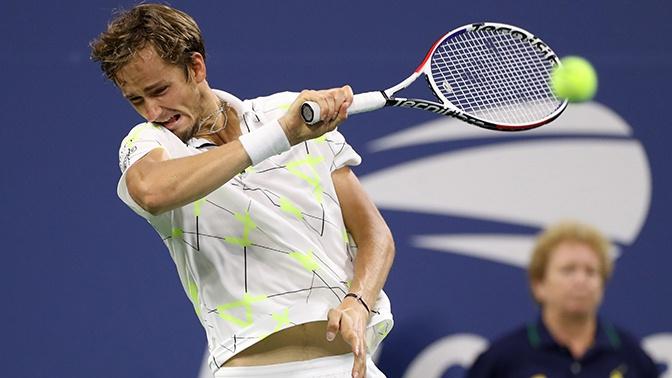 Теннисист Медведев отреагировал на свист трибун на матче US Open неприличным жестом
