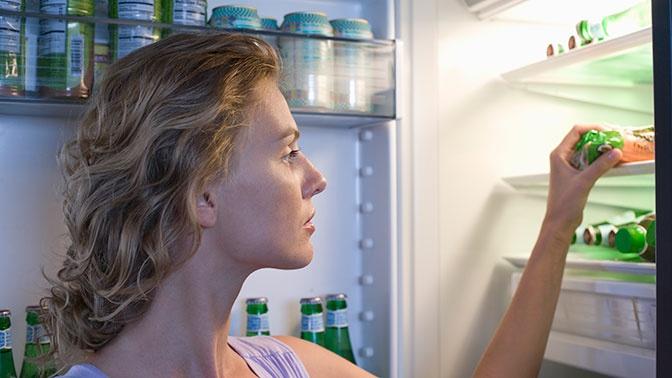 Ешь и худей: диетологи рассказали, каким должен быть перекус перед сном