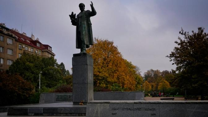 В Праге перенесут памятник маршалу Коневу