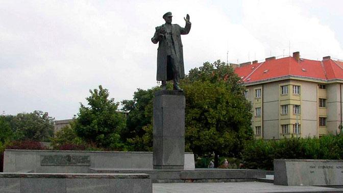 Чешские коммунисты потребовали оставить в покое памятник Коневу