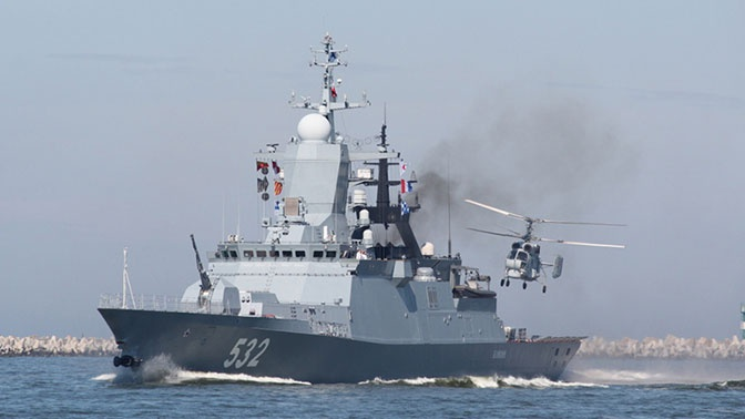 Экипажи морской авиации Балтфлота выполнили посадки на палубы авианосных кораблей
