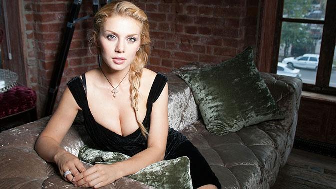 «Началось все с парочки пятен»: Анна Седокова рассказала о своей болезни