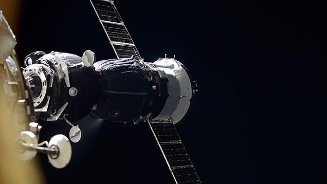 Роскосмос установил причины появления дыры в обшивке «Союза»