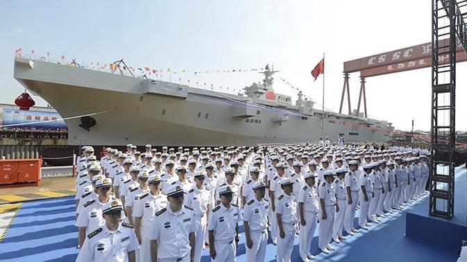 В Китае спустили на воду первый универсальный десантный корабль