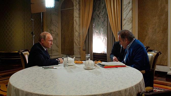 Оливер Стоун: Путин не допустил превращения России в «вассала» США