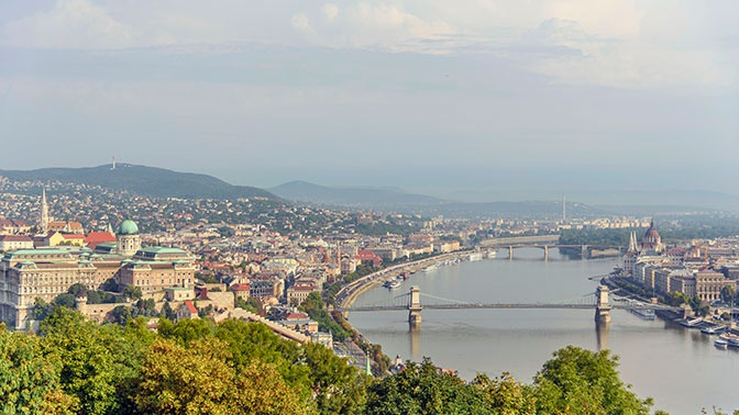 Венгрия массово забирает паспорта, выданные украинцам в Закарпатье