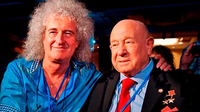 Гитарист Queen почтил память Леонова