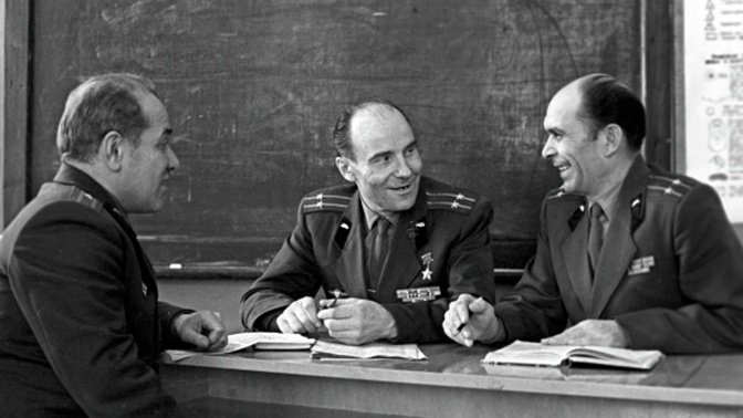 Т-34 против вундерваффе: как легендарный танкист Александр Оськин уничтожил «чудо-оружие» немцев