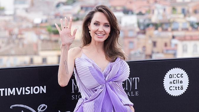Анджелину Джоли эвакуировали со съемочной площадки из-за найденной бомбы