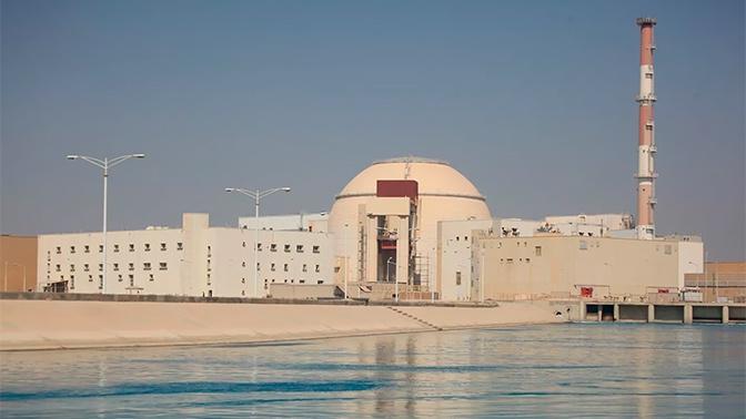 Представители России и Ирана обменялись кубиками бетона в честь начала строительства второго блока АЭС «Бушер»