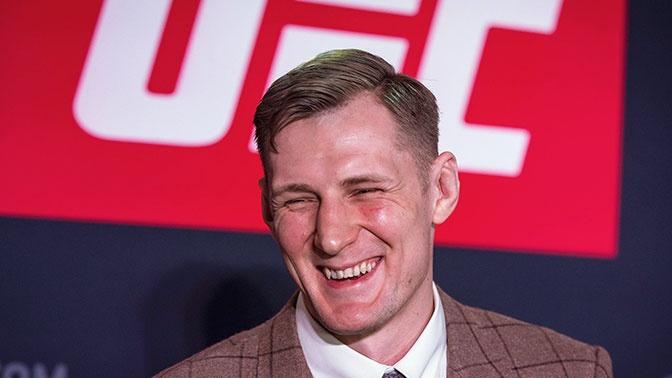 Волков одолел Харди на турнире UFC в Москве