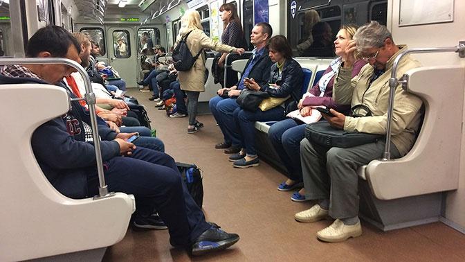 Общественный транспорт Петербурга подорожает на десять рублей