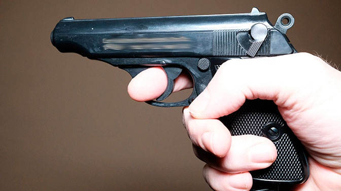Охранник выстрелил в посетителя бара в Москве, потому что он не заплатил