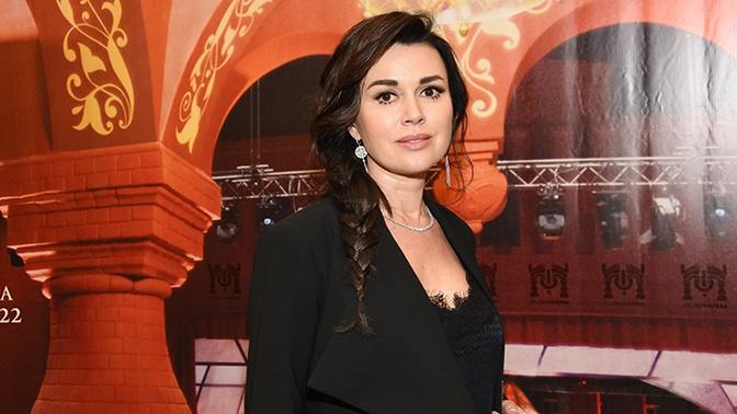 Друг семьи Анастасии Заворотнюк заявил об улучшении состояния актрисы