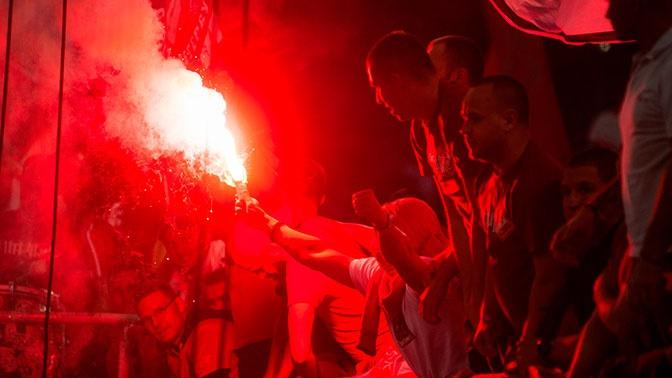 Работают «глушилки»: фанаты «Спартака» оскорбили Дзюбу на матче с «Зенитом»