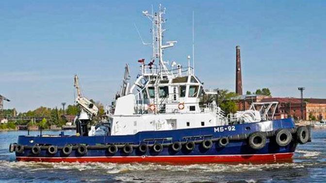 Буксир Тихоокеанского флота спас терпящих бедствие рыбаков в Японском море