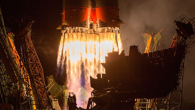 Путин заявил, что РФ выступает против милитаризации космоса