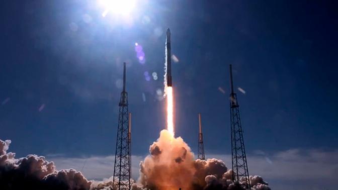 Грузовой корабль Cargo Dragon успешно вывели на орбиту