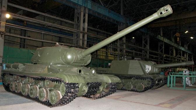 Ожившая история: легендарный танк ИС-2 восстановили в Омске