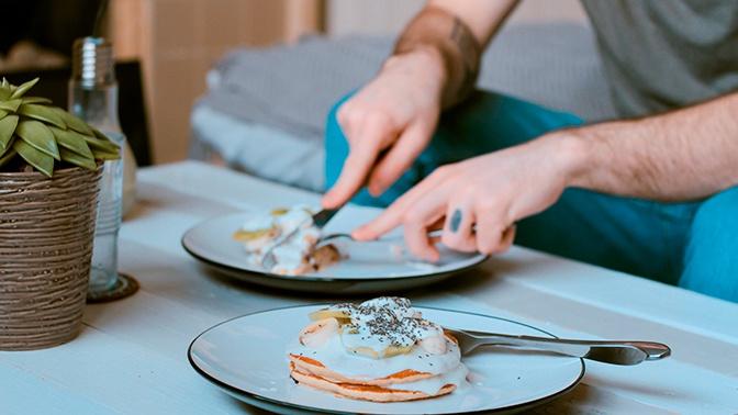 Ученые назвали оптимальный режим питания для похудения