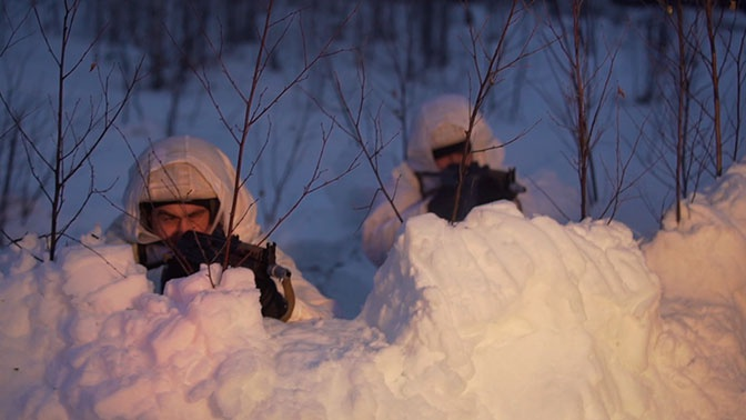 Пройти сорок километров на лыжах в тылу врага: детали новой миссии участников «Взвода»