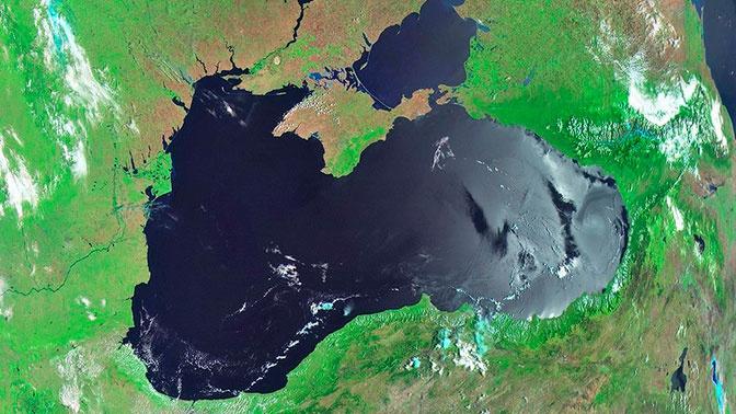 Ученые заявили, что Черное море превращается в «мутную кашу»