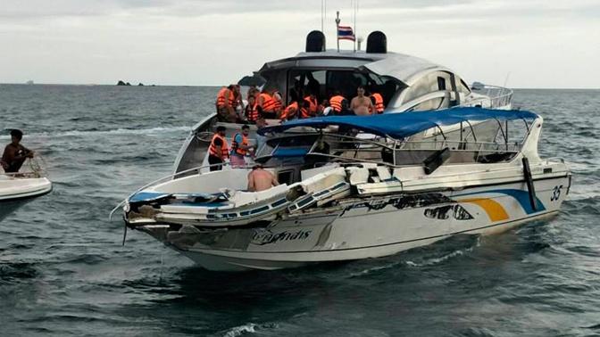 Катер с 12 туристами врезался в яхту в Таиланде