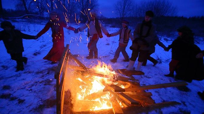Самая длинная ночь в году: как отмечают в России день зимнего солнцестояния