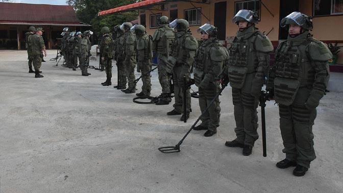Российские саперы обезвредили в Лаосе более 300 боеприпасов США