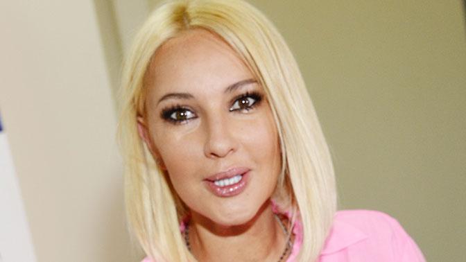 Леру Кудрявцеву прооперировали из-за разрыва грудного импланта