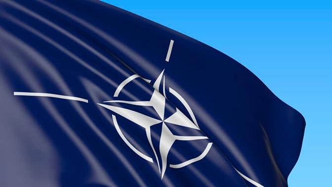 Командующий СФ сообщил о повышении активности НАТО в Арктике