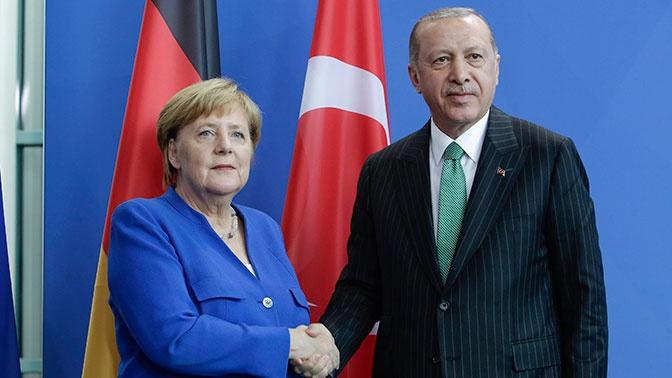 Меркель и Эрдоган обсудили по телефону Ливию и Сирию
