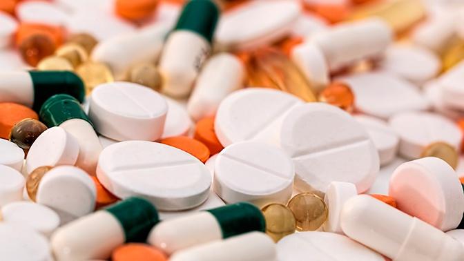 Путин призвал не допускать перебоев поставок жизненно важных лекарств