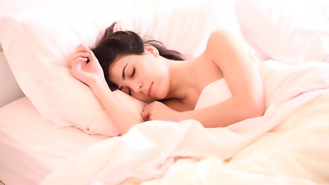 Врач рассказала о вредных для сна привычках