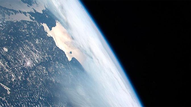 Российские ученые предложили убирать космический мусор с помощью парашюта