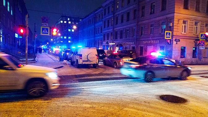 На Porsche по тротуару: петербуржцы устроили драку с наглым водителем