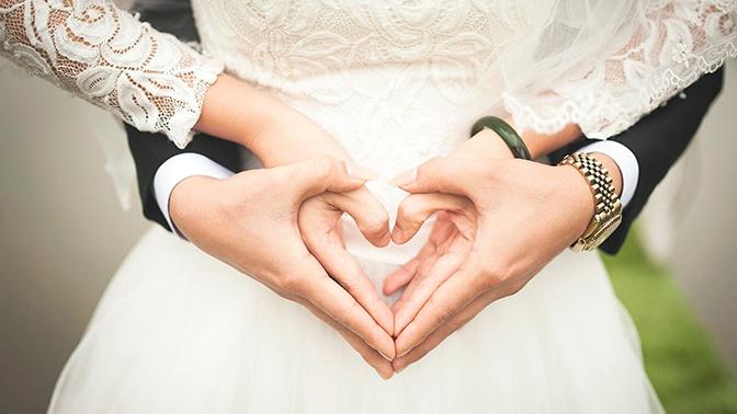 Первые ночные браки зарегистрировали в Москве