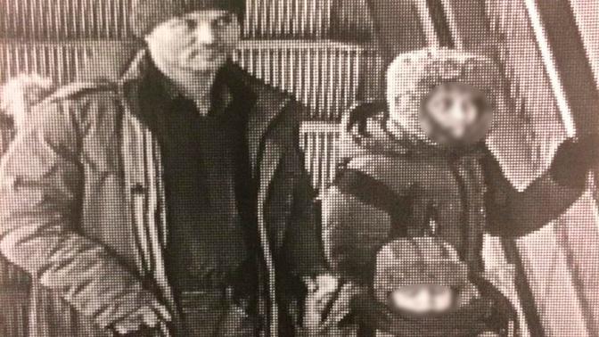 Оставившего детей в Шереметьево отца задержали