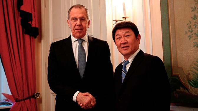Глава МИД Токио рассказал о переговорах с Лавровым