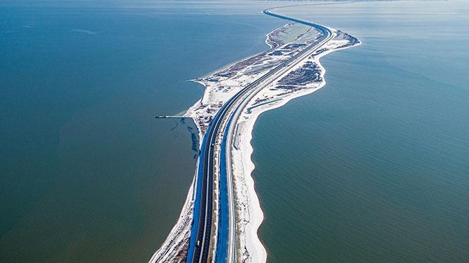 Более миллиона грузовиков проехали по Крымскому мосту