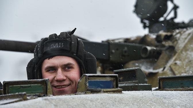 В Совфеде заявили, что РФ в будущем может перейти на контрактную систему в армии