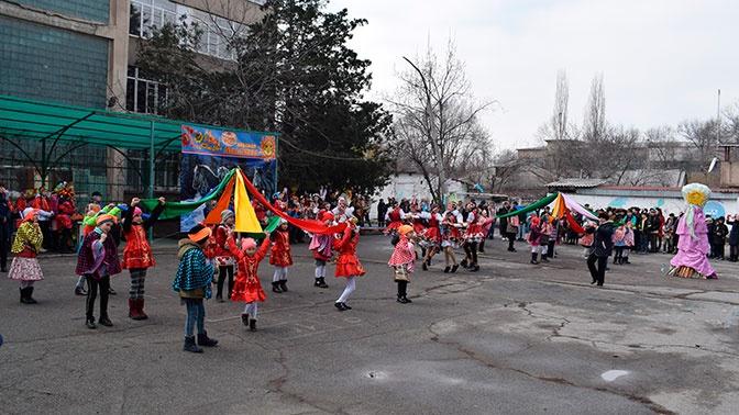 В комплексе-гимназии «Эврика» в Бишкеке отметили Масленицу