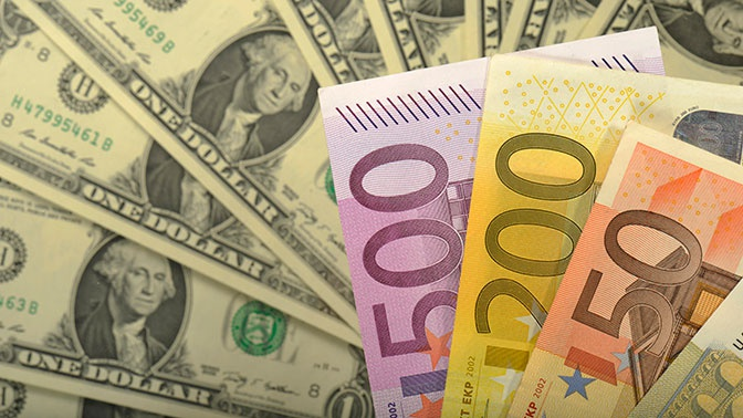 Курс евро превысил 85 рублей на международных торгах