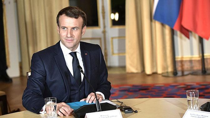«Самый серьезный за сто лет»: Макрон заявил о кризисе здравоохранения во Франции