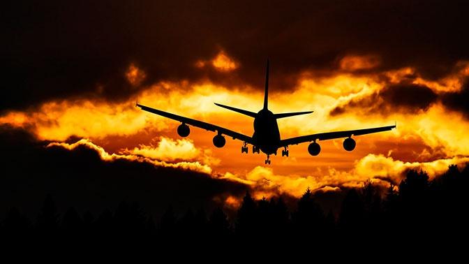 Эр-Рияд на две недели остановил авиасообщение с другими странами
