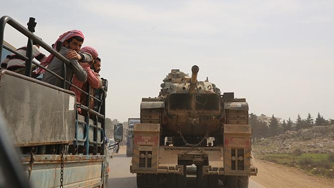 Россия и Турция провели первое совместное патрулирование трассы M-4 в Сирии