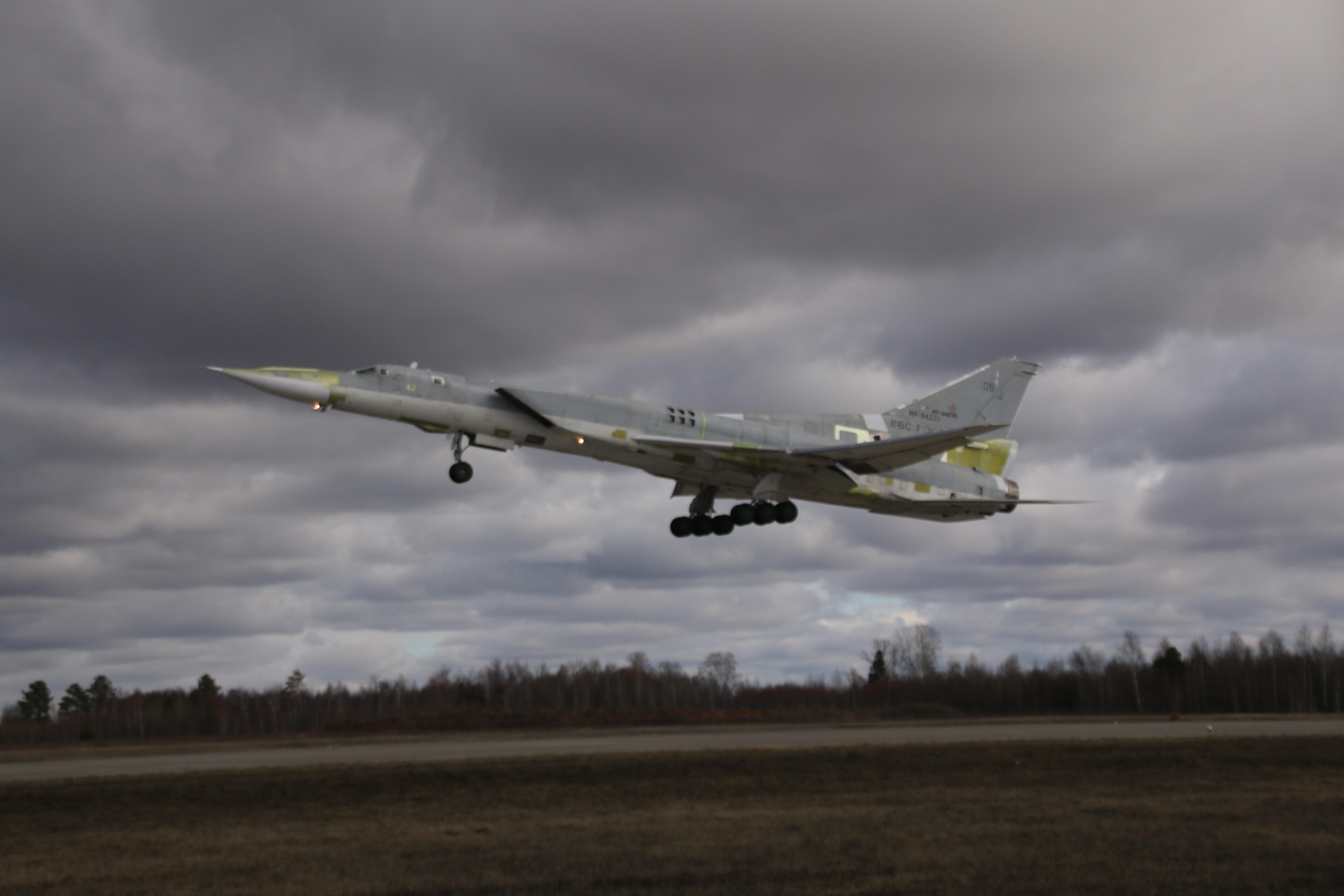 Первый полет второго опытного ракетоносца-бомбардировщика Ту-22М3М
