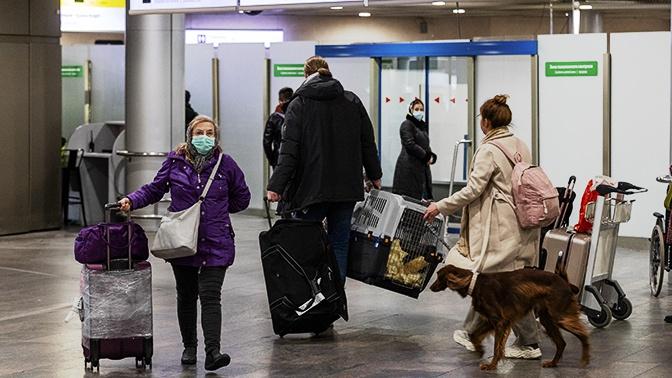 Матвиенко заявила о необходимости вернуть россиянам деньги за авиабилеты